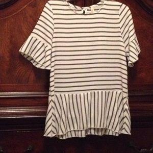 SZ sm-med Navy &off white flowy blouse